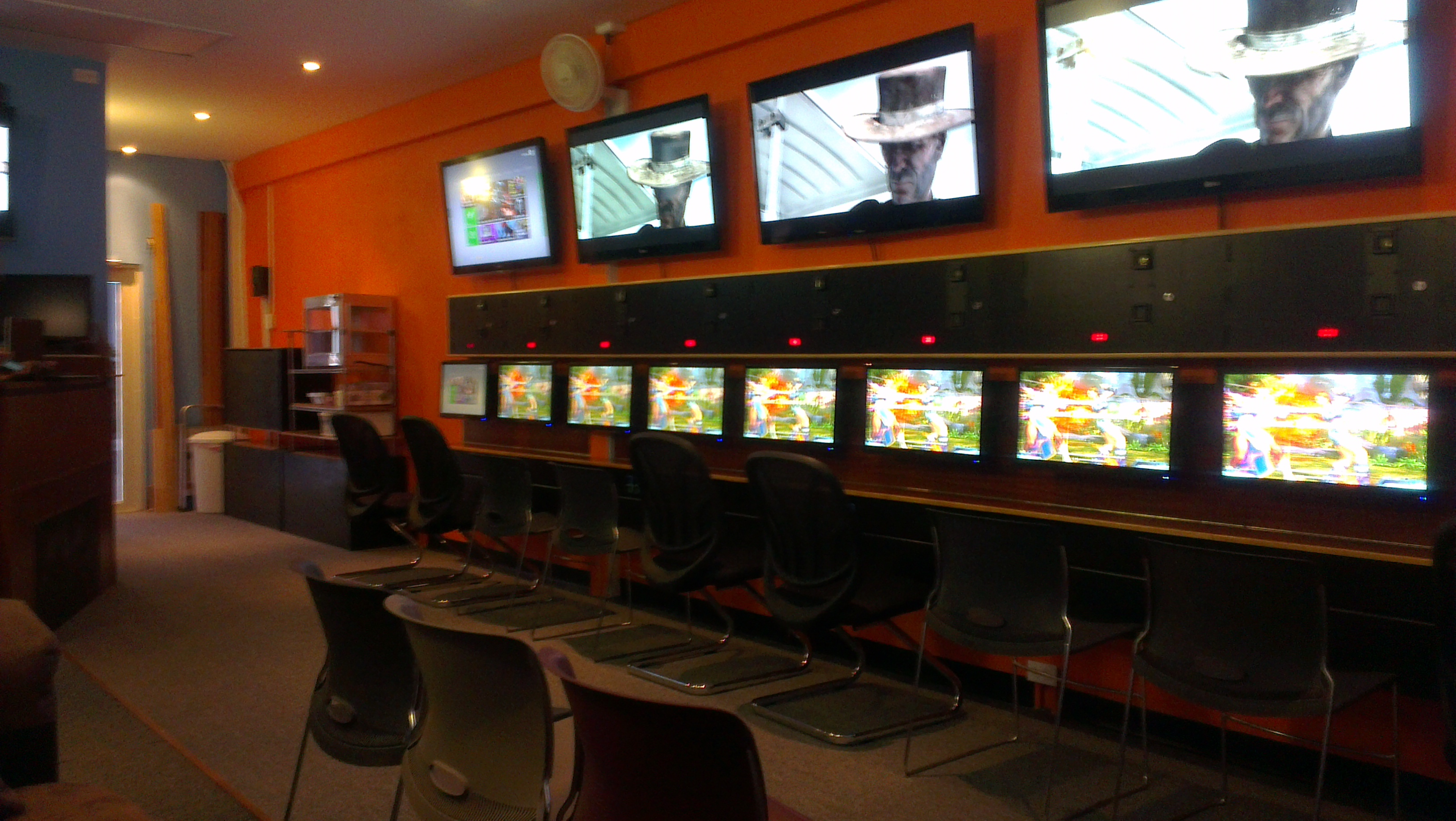 "Man Cave For Gamers : Interview with ""versus carib gamers"