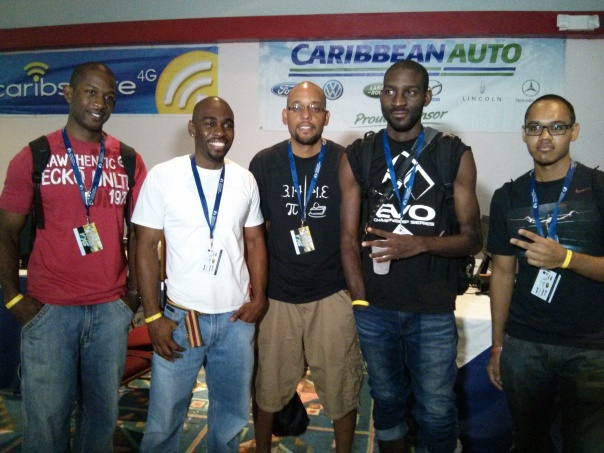 Knal,Kemo and Kevon with the EVO champ.